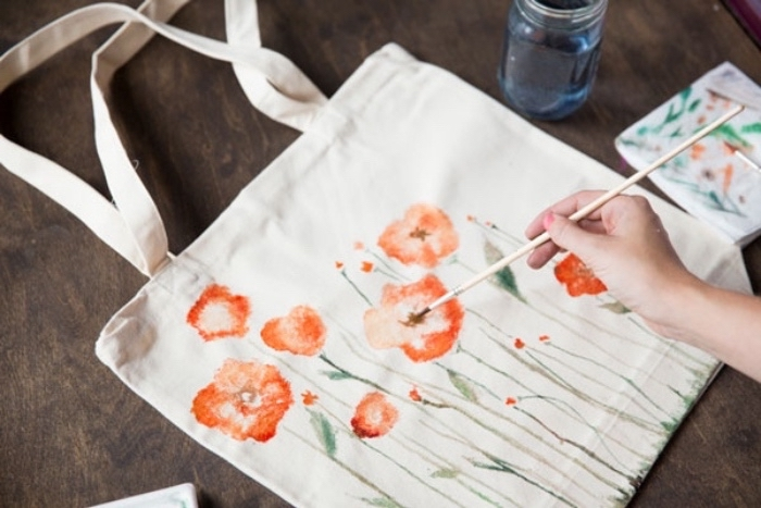 white tote bag, field flowers, drawn on it, easy diys for kids, wooden table