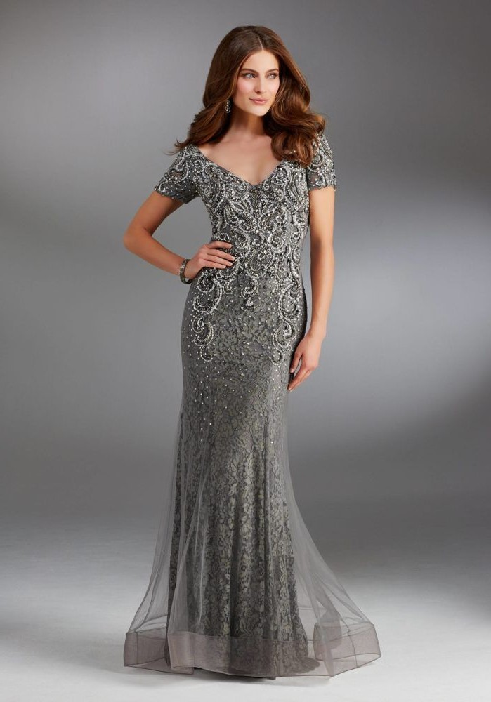 grey dress, v neckline, lace dress, short sleeves, lace mother of the bride dresses, brown wavy hair
