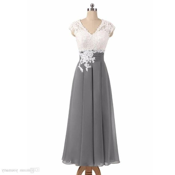 lace top, grey chiffon, v neckline, mother of the bride suits, wooden mannequin, white background
