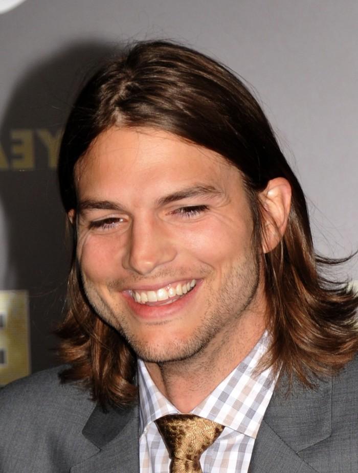 cool haircuts for men, ashton kutcher, brown hair, grey blazer, checkered shirt, gold tie