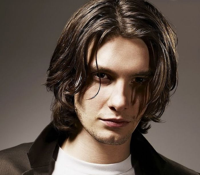 ben barnes, black hair, cool haircuts for men, white shirt, black blazer, grey background