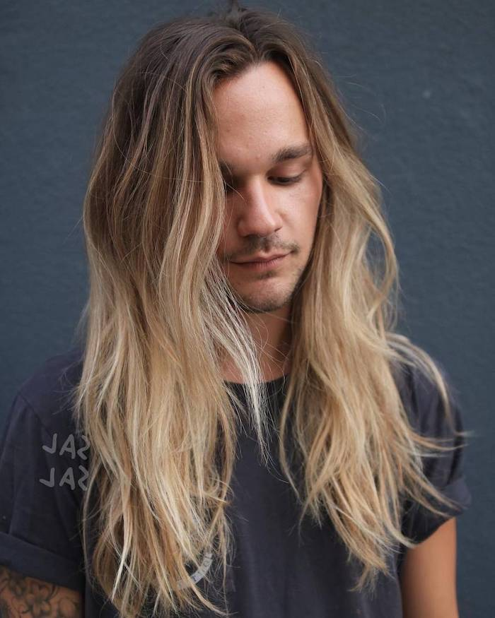 dark to light blonde, ombre effect, medium length hairstyles for men, black shirt, grey background