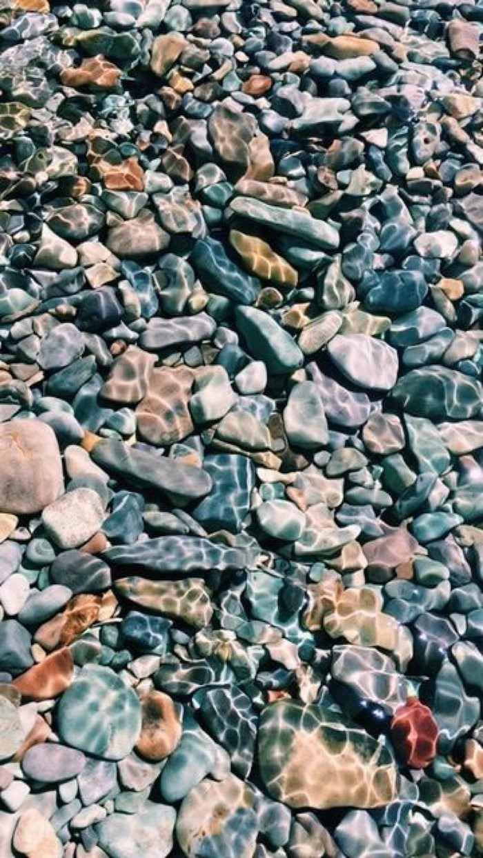 different rocks, under the water, cute iphone wallpaper