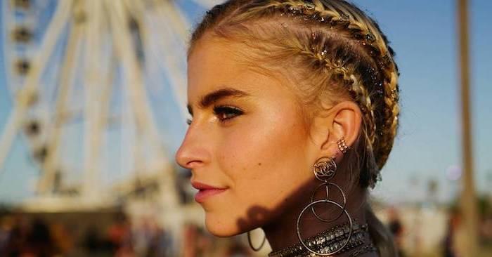 festival look, side braids, with glitter, hoop earrings, metal choker, triangle box braids