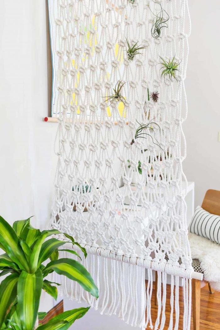 diy macrame, room separator, diy tutorial, step by step, wooden floor, white walls