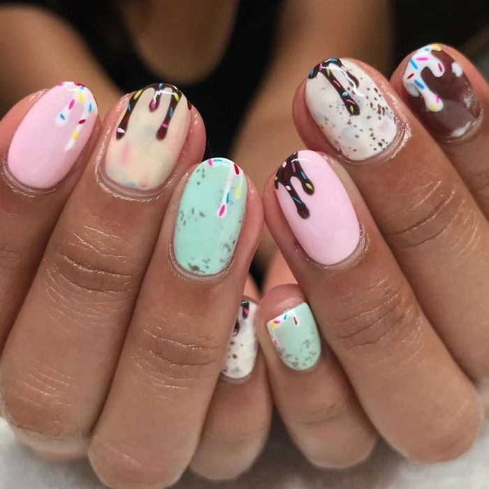 melting ice cream, with sprinkles, drawing on nails, spring nail designs, nude and pink, green and white