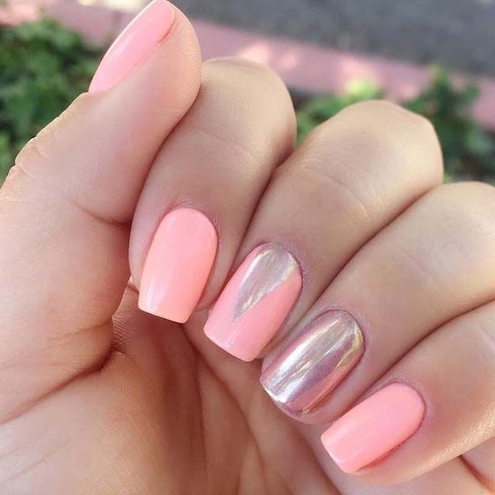 light pink nail polish, pink chrome, what color should i paint my nails, short nails