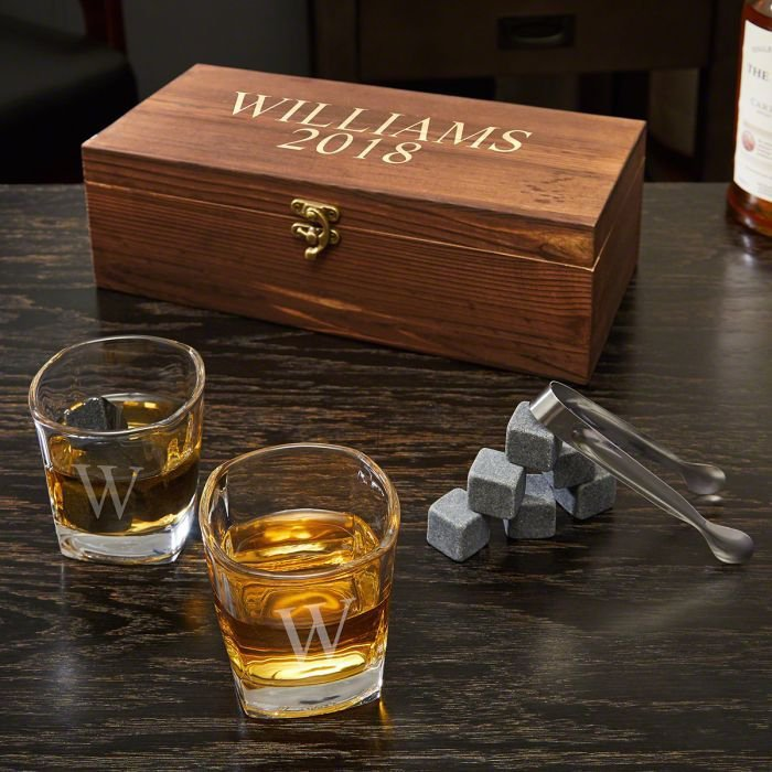 wooden box, personalised with name, groomsmen gift sets, two whiskey glass, rock ice cubes