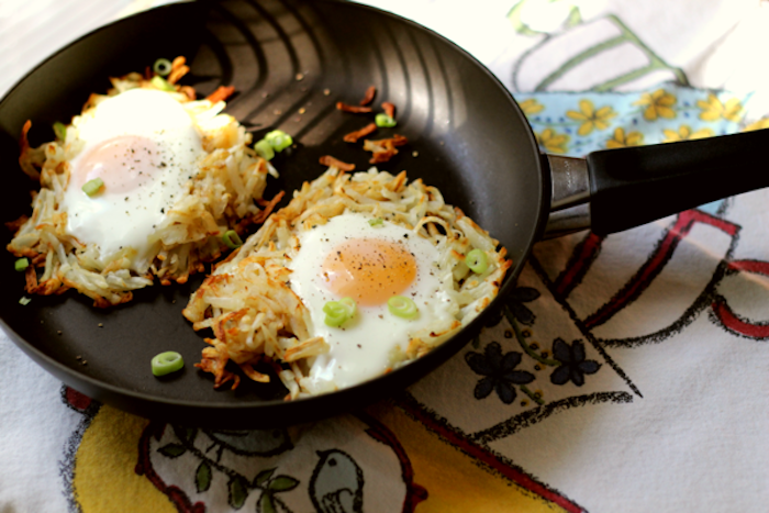 fried eggs, with chives and cheese, best brunch recipes, black frying pan