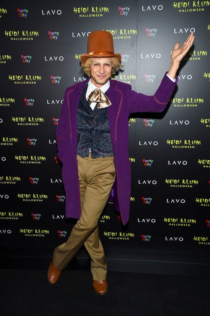 man dressed as willy wonka, willy wonka and the chocolate factory, halloween costume ideas for women
