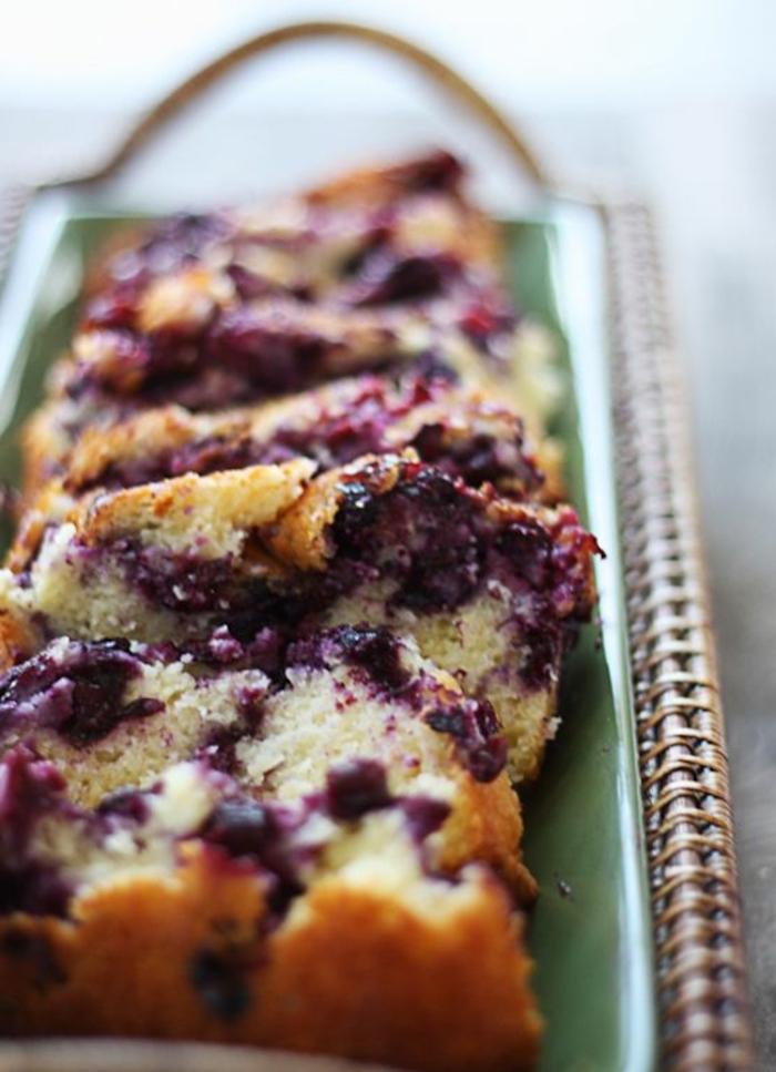sponge cake, with blueberry jam, fancy breakfast, green tray