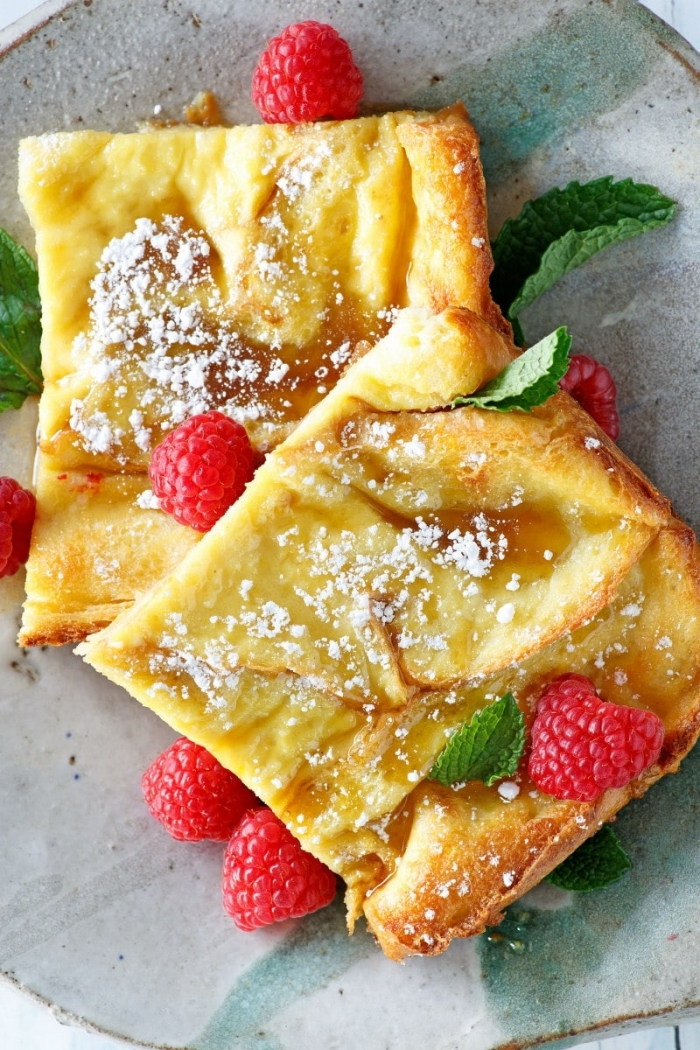 egg toast, raspberries on top, mint leaves, powdered sugar, brunch ideas