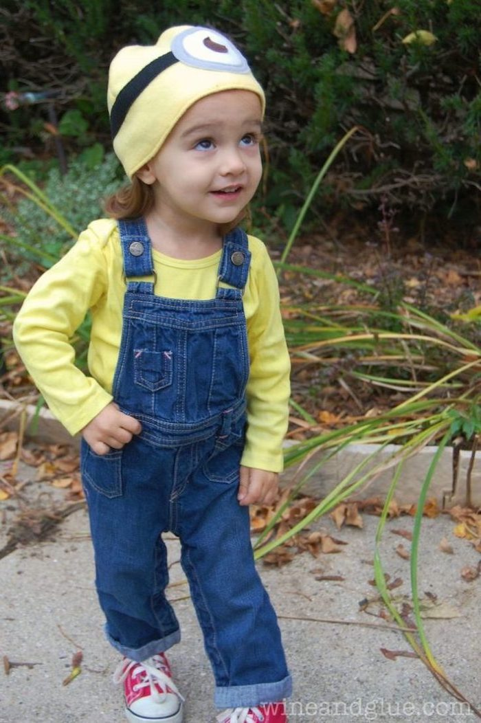 boy dressed as a minion, superhero costumes for kids, yellow blouse, jeans onesie, yellow beanie