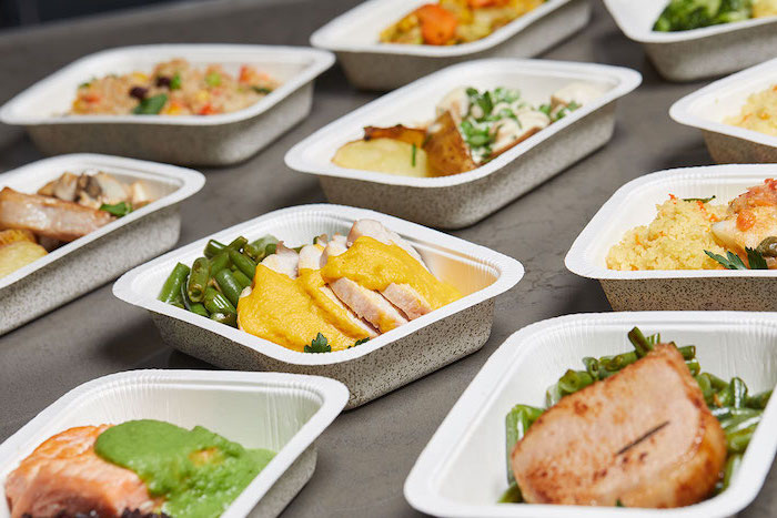 paper containers, with different meals, meal prep, diet plans for women, fillet meat with vegetables
