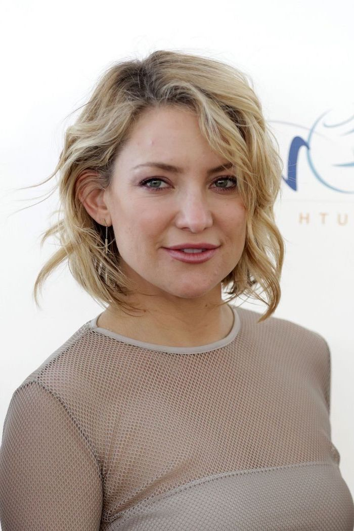 kate hudson, wearing grey tulle dress, hairstyles for medium length hair, brown wavy hair, white background