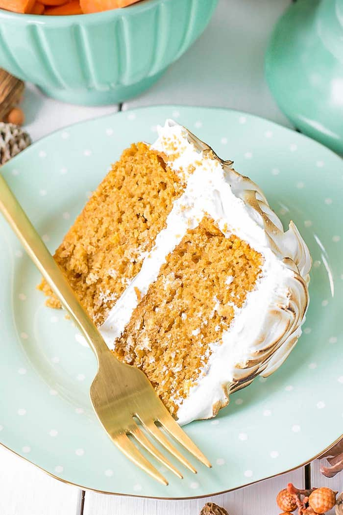 slice of cake, made out of sweet potatoes, marshmallow fluff on top, thanksgiving desserts, turquoise plate