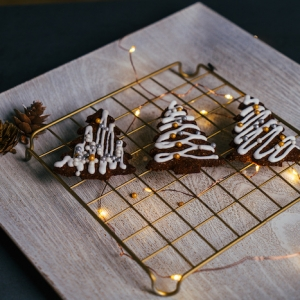 Christmas cookie decorating ideas - baking tutorials to try with your family