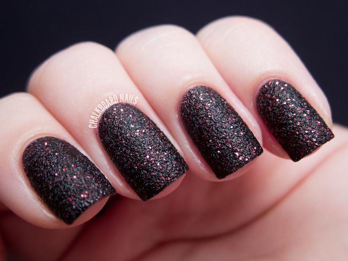 dark black and red glitter nail polish, nail colors, short square nails