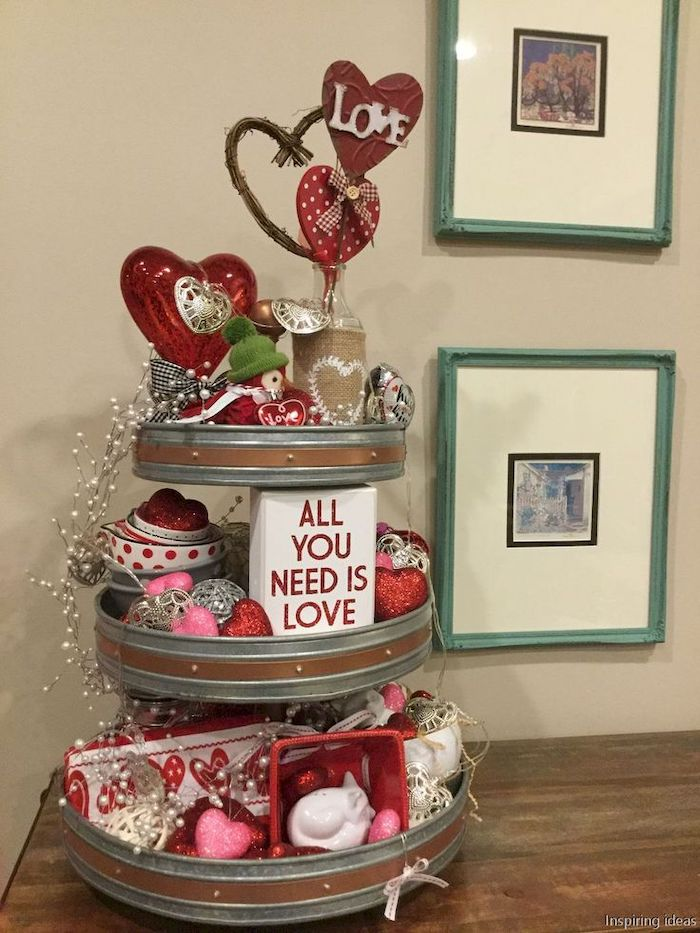 cake stand, decorated with hearts in different shapes and sizes, valentine's day decoration ideas, placed on wooden surface