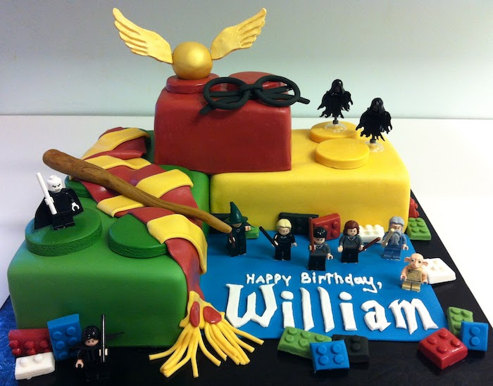 harry potter lego set, cake made with fondant, harrys birthday cake, lego people and dementors, snitch and glasses on top