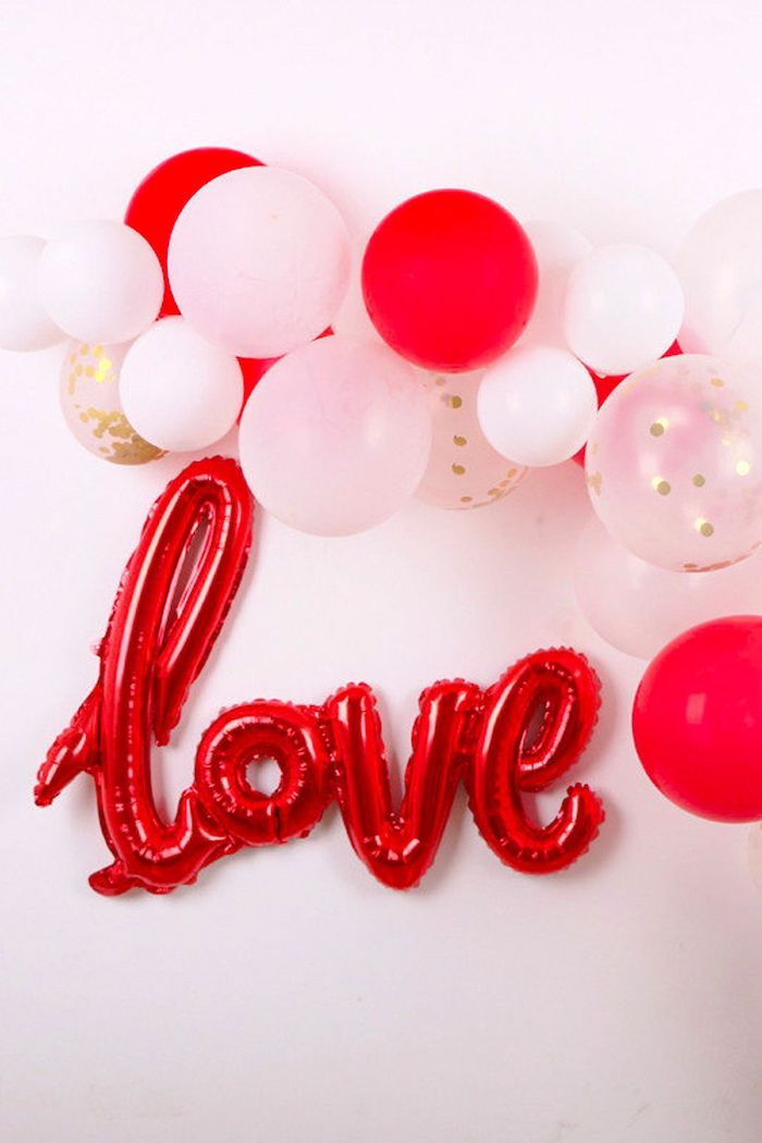 red love balloons, white and red balloons hanging on white wall, valentine's day home decor