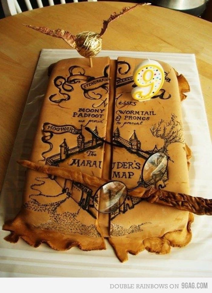 one tier cake, marauder's map, harry potter birthday cake ideas, wand and glasses, golden snitch on top