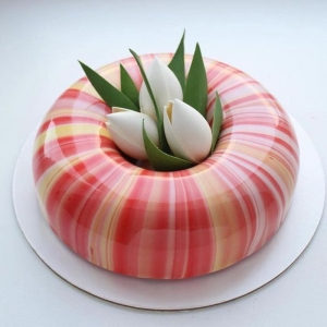 60 stunning mirror glaze cake ideas + recipe for the glassy mixture