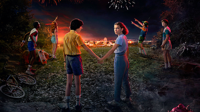 mike and eleven holding hands, dustin max lucas and will watching the fireworks, stranger things desktop wallpaper