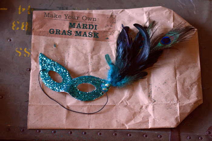 masquerade masks for couples, step by step diy tutorial, turquoise glitter mask, decorated with dark blue feathers