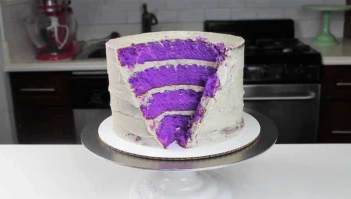 step by step diy tutorial, how to make a geode cake, geo cake, one tier purple cake, covered with white buttercream