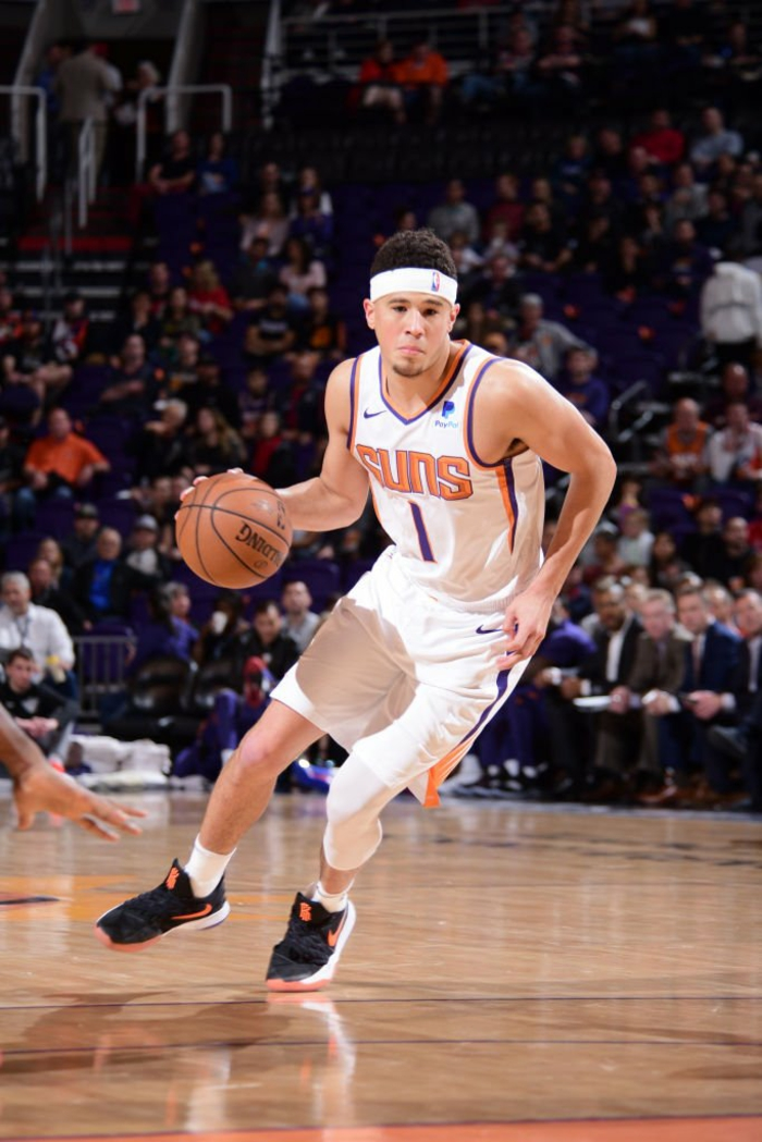devin booker, dribbling the ball, standing on the court, cool nba wallpapers, wearing phoenix suns uniform