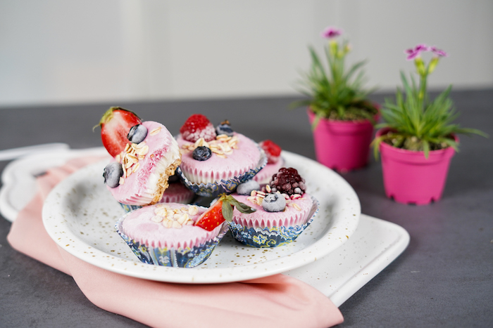 frozen skyr cupcakes easy party desserts decorated with oats strawberries blueberries arranged on white plate