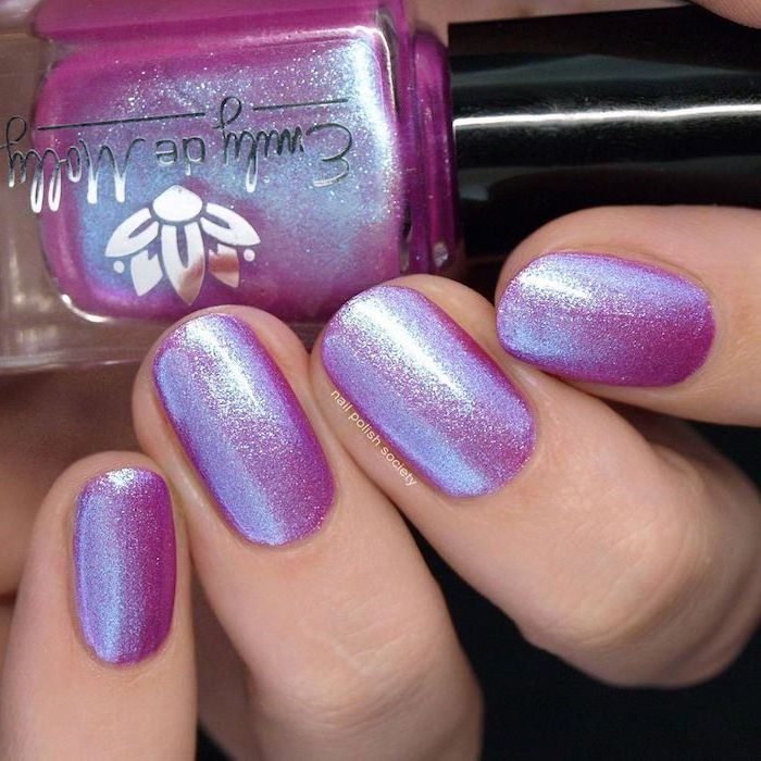 pink and purple glitter monochromatic nail polish, cute nail ideas, short squoval nails