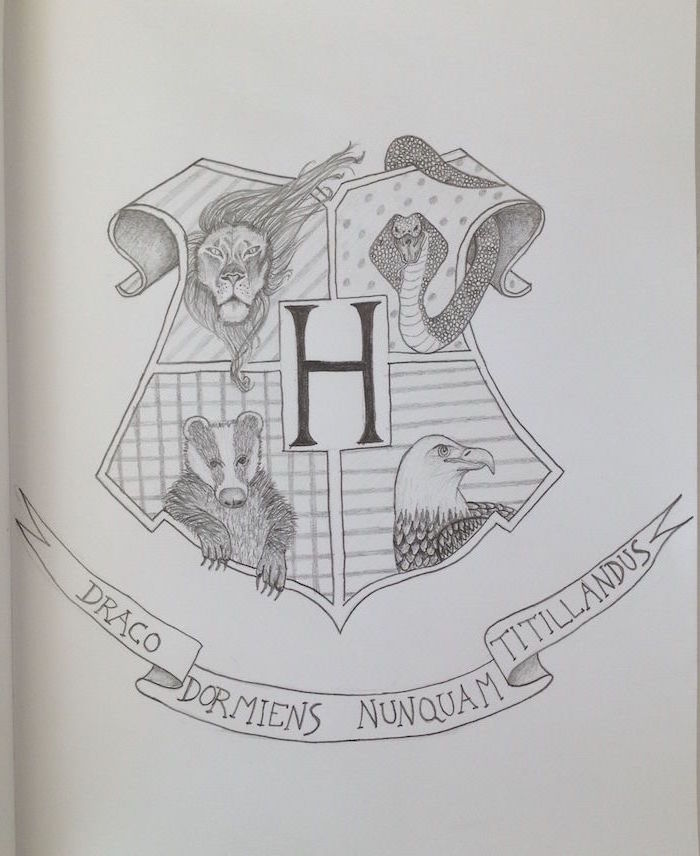 hogwarts symbol, harry potter things to draw, slytherin and gryffindor, hufflepuff and ravenclaw, black and white pencil drawing