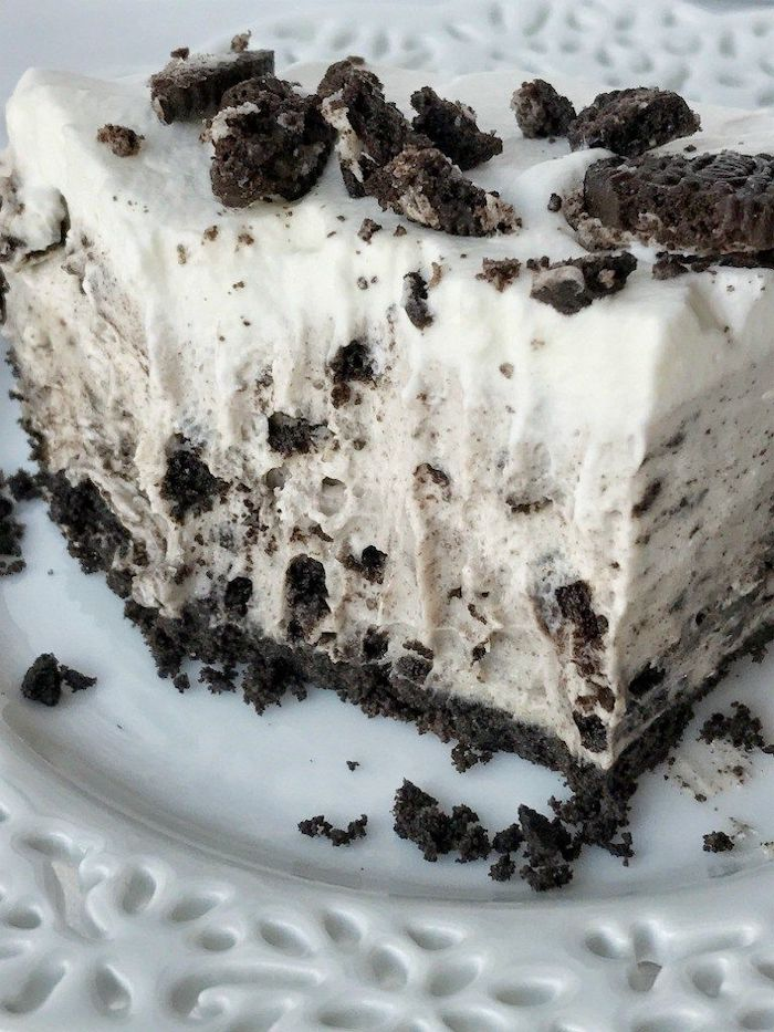 oreo pie best summer desserts made with oreo crumbs and decorated with oreo pieces on top