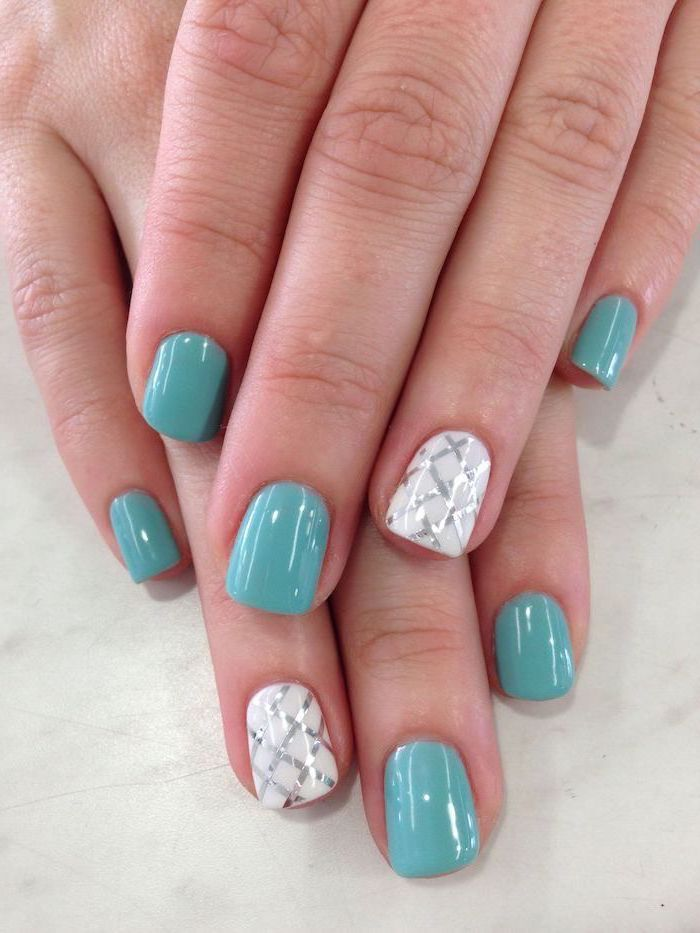 blue and white nail polish, summer acrylic nail designs, silver glitter lines decorations