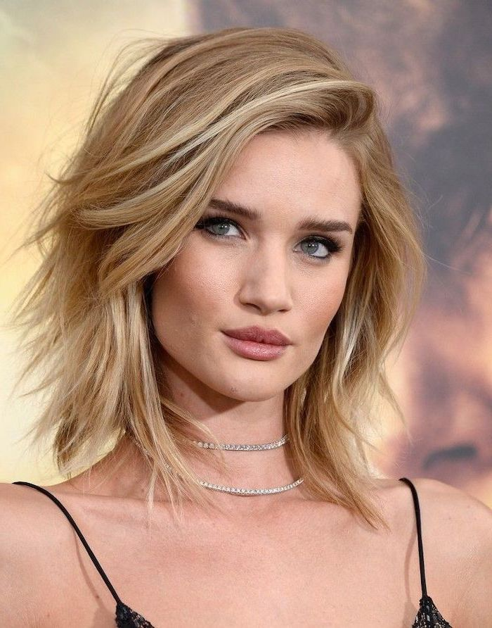 rosie huntington whitely wearing black dress diamond necklaces haircuts for thin hair blonde hair side swept