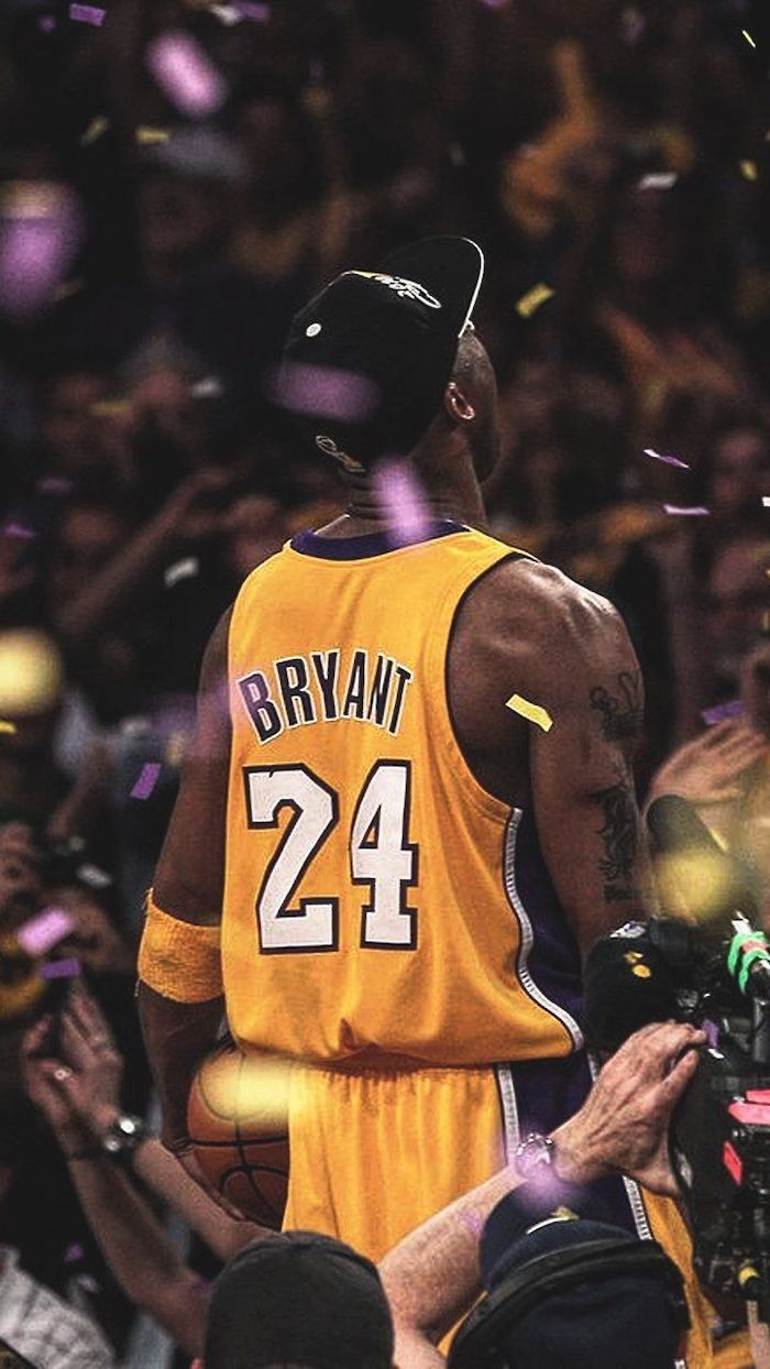 kobe bryant standing on top of the announcers table kobe bryant wallpaper confetti coming down from the air wearing lakers jersey