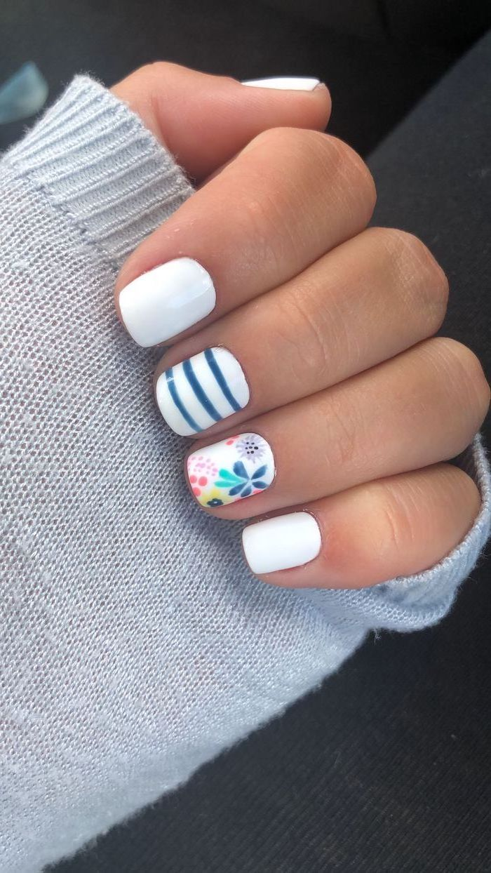 blue and white nail polish on short square nails summer acrylic nail designs flower decorations on ring finger