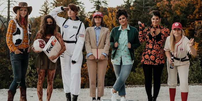 funny diy halloween costumes seven women dressed as different famous tom hanks characters