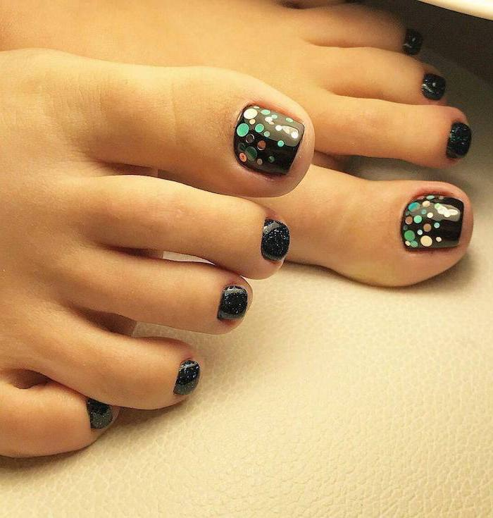 pedicure with black nail polish on the toes and black glitter on the rest of the fingers acrylic nail designs