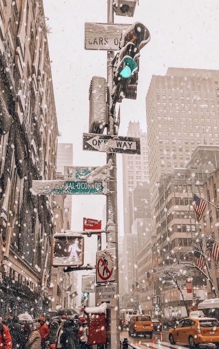 city of new york street heavy snow falling christmas desktop backgrounds yellow taxis on the road