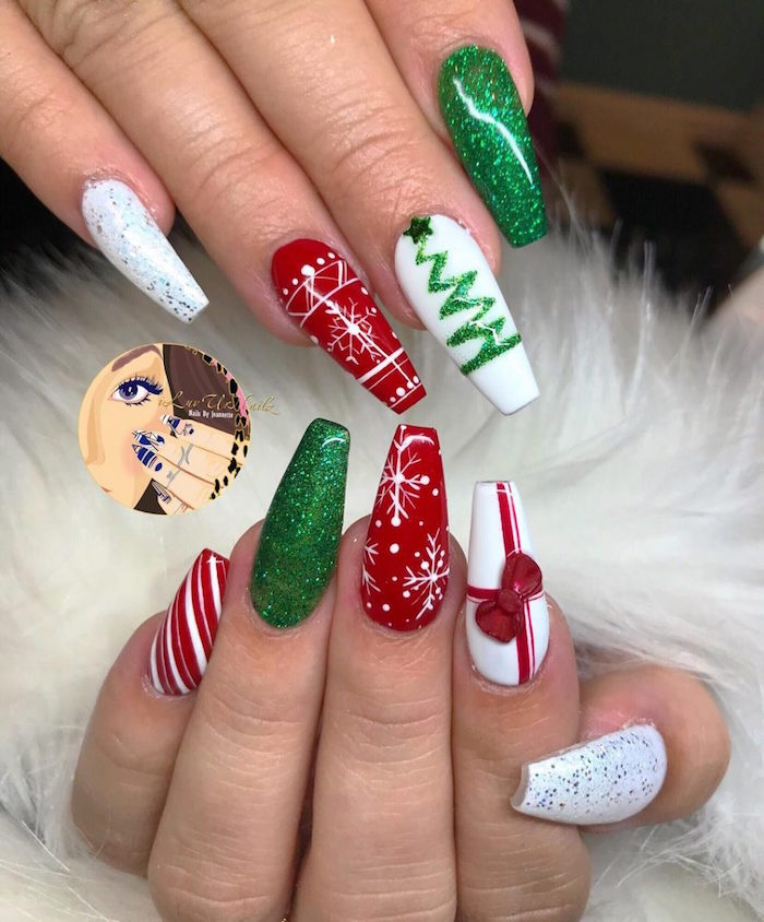 coffin shaped nails with green glitter white red nail polish holiday nails 2020 christmas inspired decorations