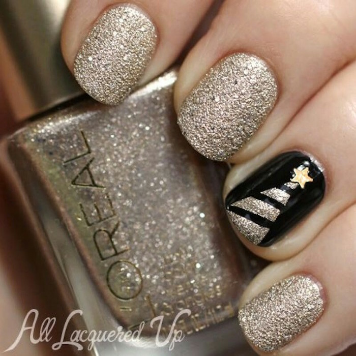 holiday nails 2020 gold glitter and black nail polish on short squoval nails gold glitter christmas tree decoration