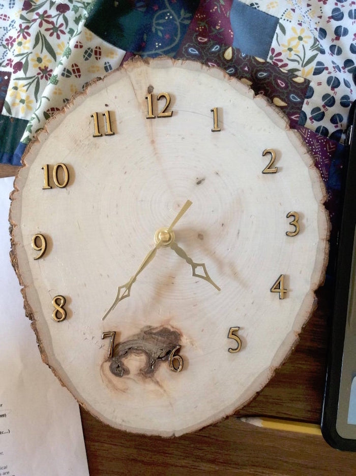 step by step diy tutorial for clock made of wood slice christmas presents for dad with gold numbers and hands