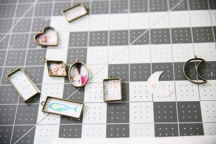 step by step diy tutorial epoxy jewelry necklace pendants in different shapes with photos drawings