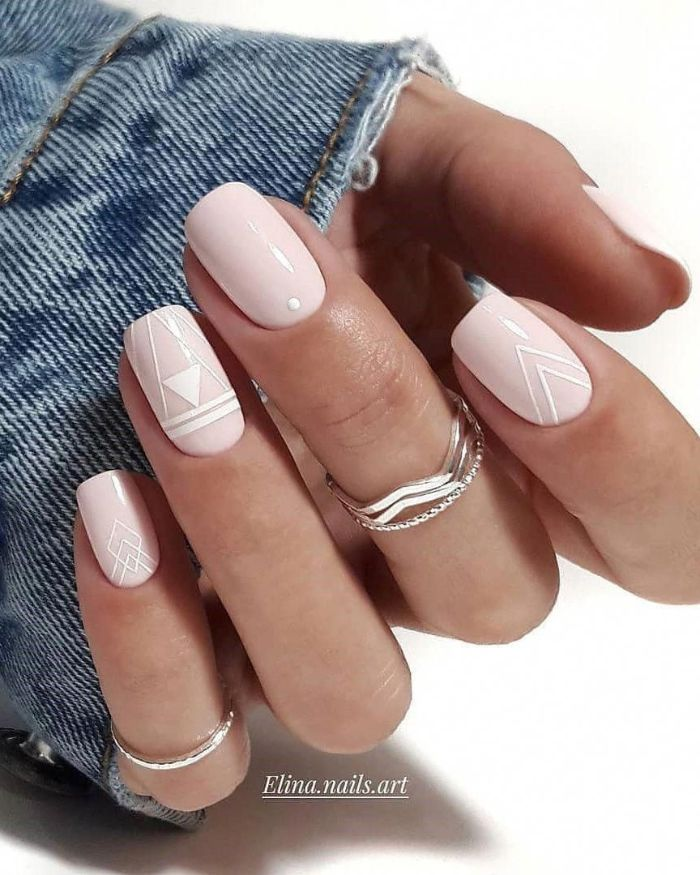 geometric design on short squoval nails flower nail designs nude nail polish decorations in white