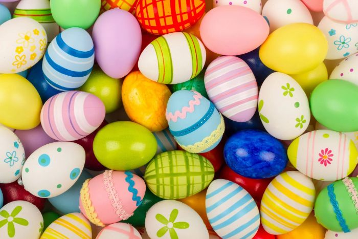 lots of eggs arranged together how to dye easter eggs all with different patterns in different colors