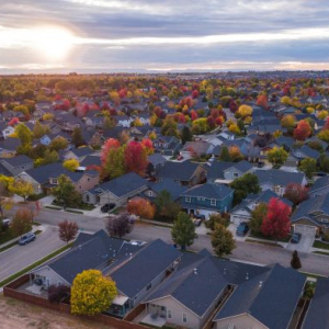 4 Factors You Need to Consider When Moving to a New Neighborhood