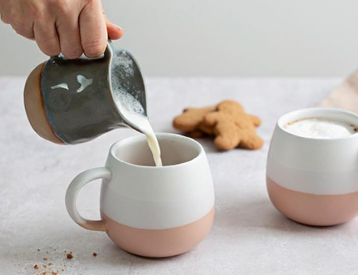 gingerbread latte recipe step by step how to make iced coffee at home milk poured into ceramic mug